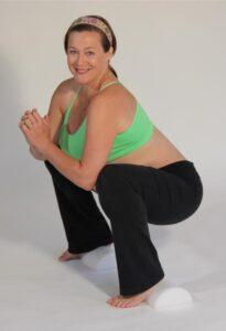 Katy Bowman recomienda hacer sentadillas especialmente durante el embarazo