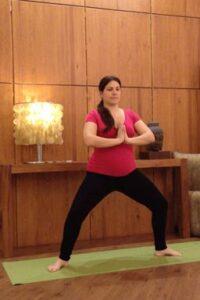 yoga suelo pelvico utkata-konasana